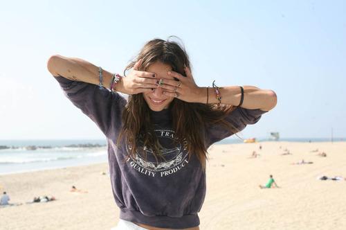 Beach-bracelets-brunette-fashion-girl-Favim.com-119745.jpg