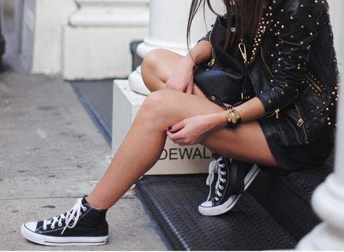 Blonde-brunette-city-converse-Favim.com-756584.jpg