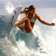 Top-10-female-surfers 2