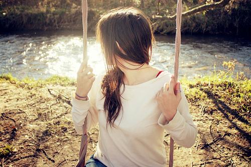 Beautiful-girl-nature-swings-Favim.com-117437.jpg