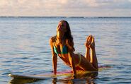 Womens-surf-camp-hawaii