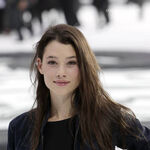 Astrid-Berges-Frisbey-philip-and-syrena-22473045-400-620.jpg