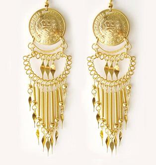 Nayra earrings2.jpg