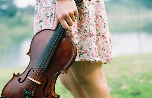 Dress-girl-music-violin-Favim.com-487371.jpg