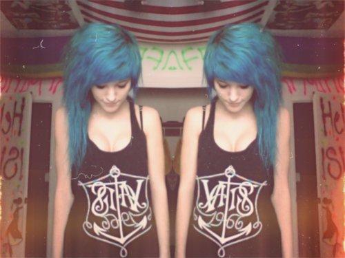 B1ush-blue-hair-girl-Favim.com-417311.jpg