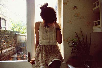 Beautiful-black-hair-girl-gorgeous-house-Favim.com-124646.jpg