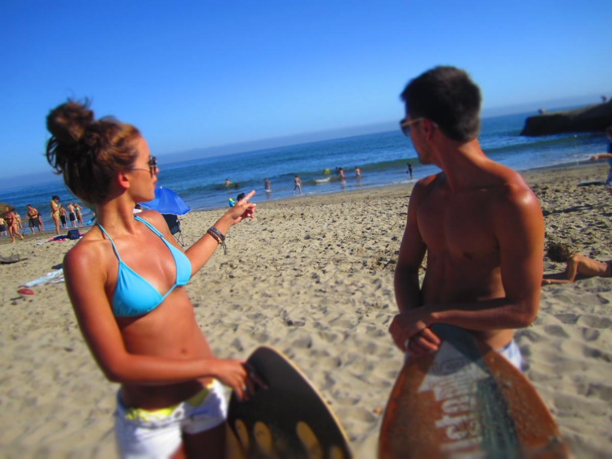 Beach-body-boy-brunette-bun-Favim.com-431637.jpg