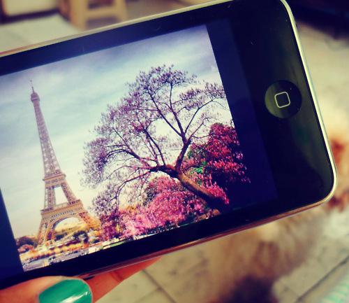 Ali-iphone.jpg