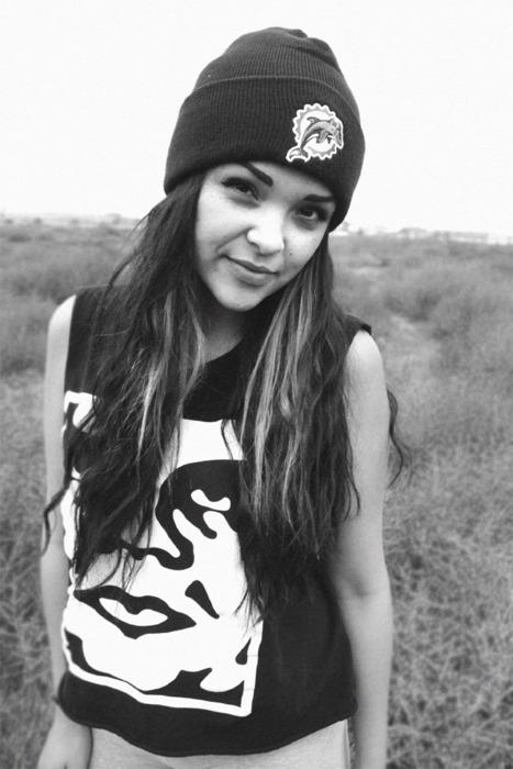 Black-and-white-girl-hair-hat-pretty-Favim.com-447573.jpg