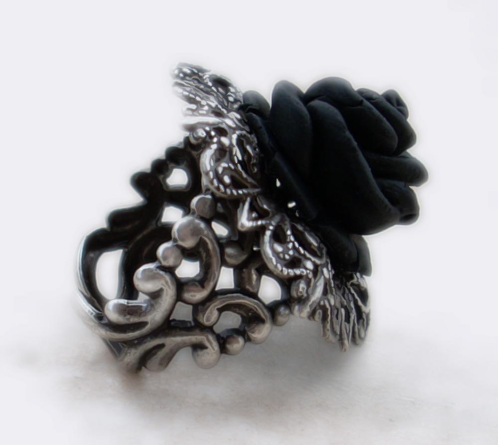 Black Rose Ring 1 by Aranwen.jpg