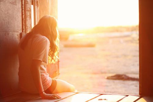 Alone-beautiful-girl-sunrise-sunset-Favim.com-227820.jpg