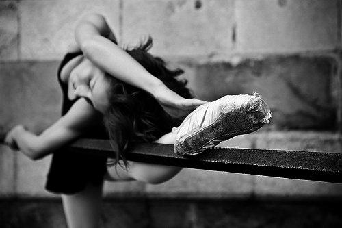 Ballerina-ballet-black-black-and-white-girl-Favim.com-460635.jpg