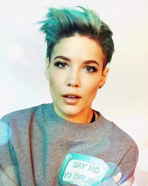 Images/Halsey