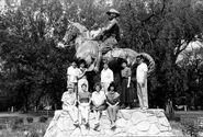 Horsey statue