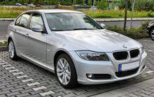 1920px-BMW 3er (E90) Facelift 20090720 front.jpg