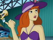 Daphne w kostiumie kąpielowym