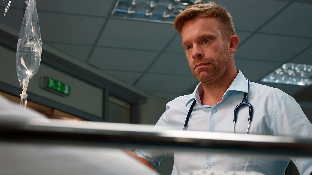 Episode 1098 (Casualty)