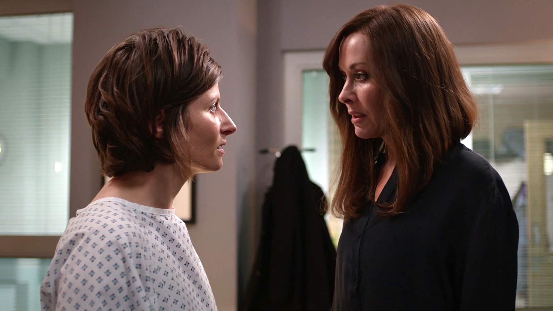 Episode 1060 (Casualty)