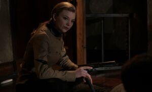 S01E24-Moriarty w gun.jpg