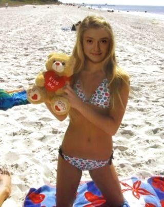 Dakota fanning bikini