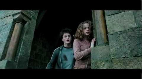 Deathly Hallows Featurette 2001-2011