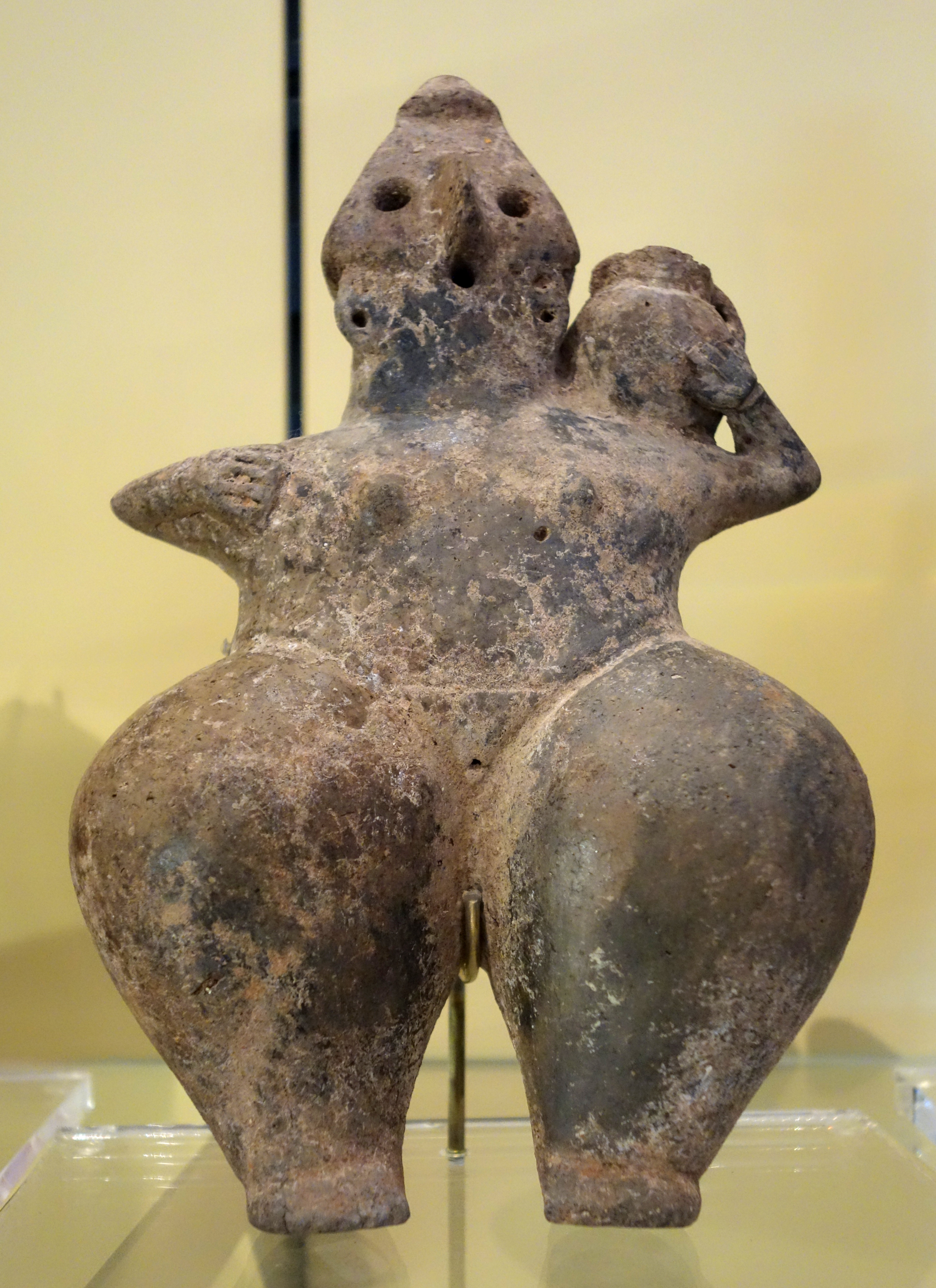 Amlash-style mother goddess, 2 of 5, perhaps Amlash, Northern Iran, Iron Age, c. 1200-900 BC, earthenware - Royal Ontario Museum - DSC04532.JPG