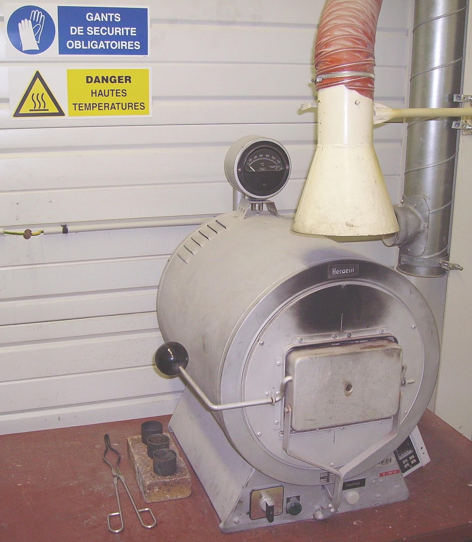 Muffle furnace.jpg