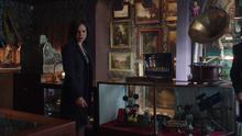 Once Upon A Time - Regina Mills 19 - Lana Parrilla.png