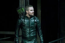 Oliver Queen Arrow.jpg