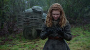 Once Upon a Time - 5x19 - Sisters - Young Zelena.png