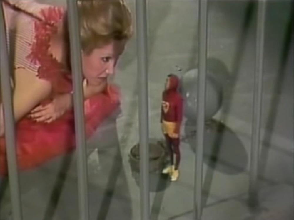 Ainda que a cela seja de ouro, não deixa de ser chato ficar preso