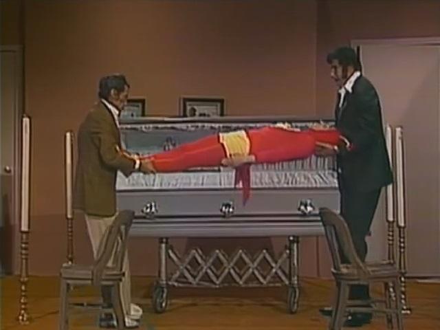 O Cadáver Morto de Um Defunto Que Faleceu ao Morrer