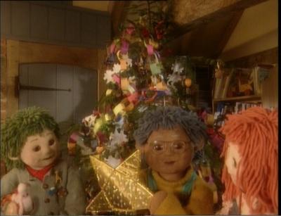 Christmas Decorations (Tots TV)