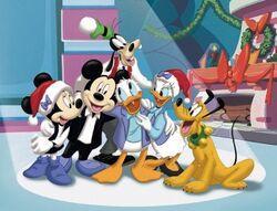 MickeyChristmas2.jpg