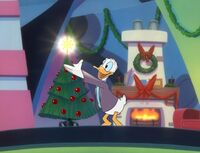 Donald puts the star on the tree