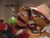 Fozzie introducing Kermit