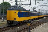 NS Koploper ICM 4227 verlaat Utrecht Centraal
