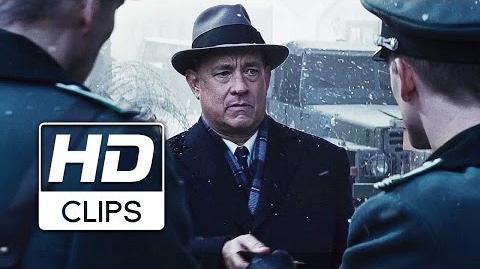 Puente de Espías Clip Sobre Tom Hanks y Steven Spielberg Próximamente- Solo en cines