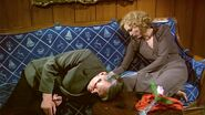 Susan Blakely and Anthony Hopkins in The Bunker 2