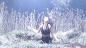 Alexandra Daddario-Life on Mars110