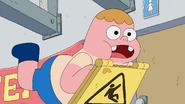 Clarence ignorando los letreros