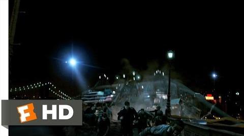 Cloverfield (2 9) Movie CLIP - Brooklyn Bridge Collapse (2008) HD