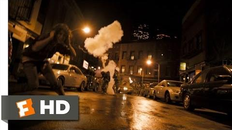Cloverfield (3 9) Movie CLIP - What the Hell Was That? (2008) HD