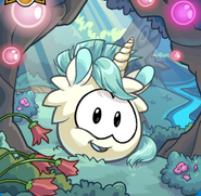 Puffle unicornio blanco