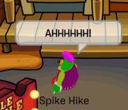 Spike Hike huyendo