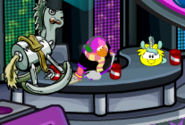Puffle amarillo uni dance