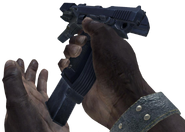 Beretta M93R recargando en Call of Duty Online