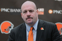 CLEVELAND-BROWNS-COACH-MIKE-PETTINE-300x200.png