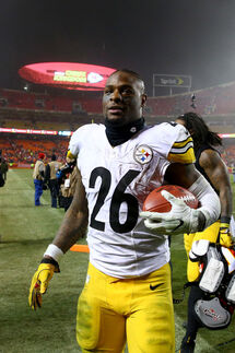 Leveon Bell Steelers.jpg