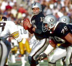 Jim Plunkett 1984 Steelers vs Raiders.jpg